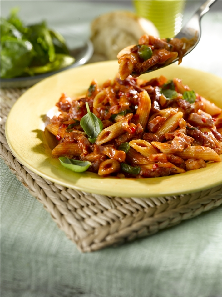 Penne with Spicy Tomato Sauce & Sizzling Bacon