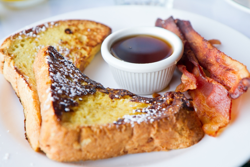 Eggy Bread with Maple Syrup & Crispy Bacon