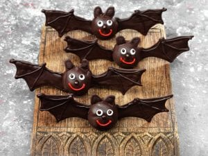 dr oetker_cheeky_chocolate_bats_halloween_recipe