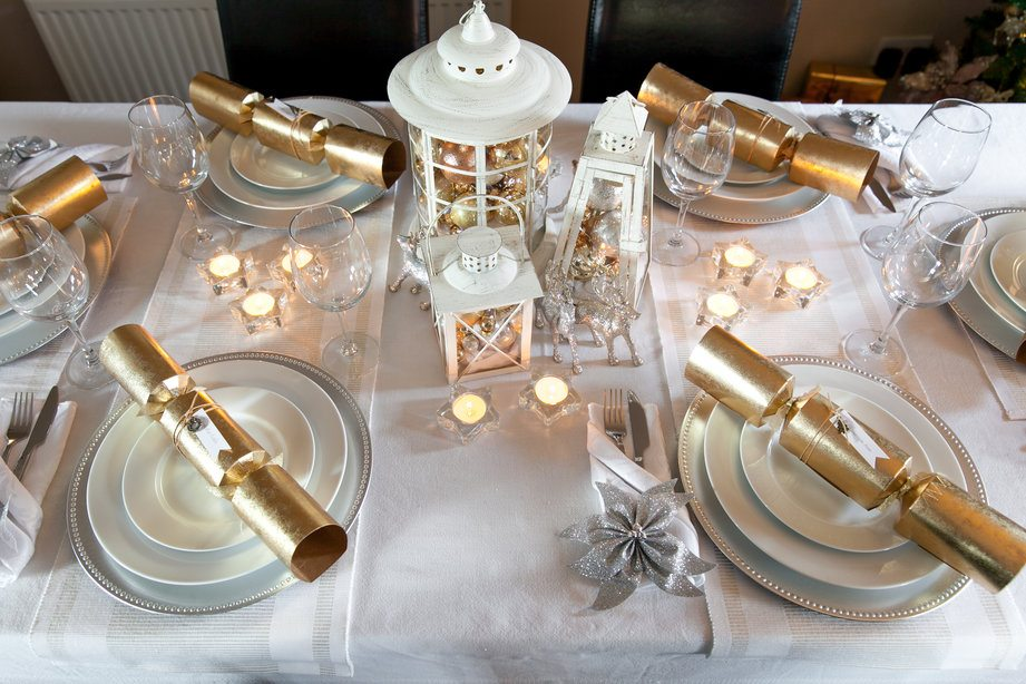 Dress your table for christmas ilovecooking Christmas table dressing
