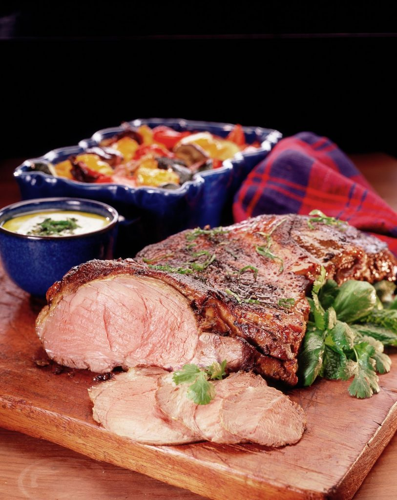 butterfly_leg_of_lamb_with_spicy_yoghurt_topping