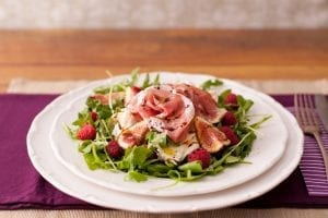 fig_raspberry_prosciutto_salad_